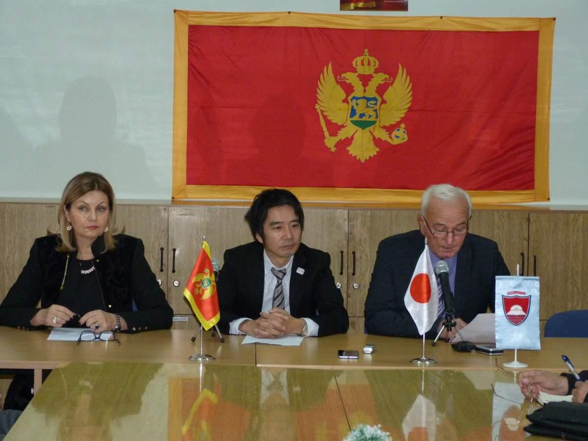 Vrijedna donacija Vlade Japana  OŠ  Vuk Karadžić u Bistrici